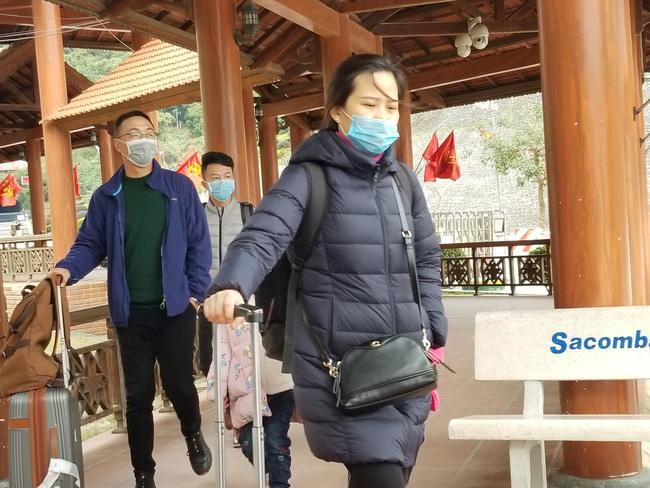 Lạng Sơn: Dịch conora khách xuất nhập cảnh qua cửa khẩu quốc tế Hữu Nghị giảm mạnh  - Ảnh 1.
