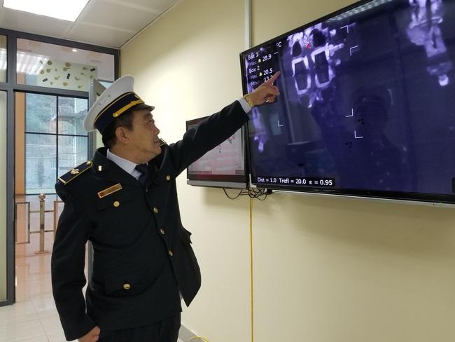 Lạng Sơn: Dịch conora khách xuất nhập cảnh qua cửa khẩu quốc tế Hữu Nghị giảm mạnh  - Ảnh 4.