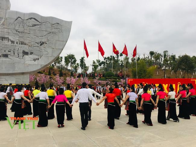 Tưng bừng Hội Xuân dâng Bác - Ảnh 5.