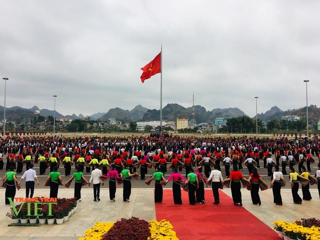 Tưng bừng Hội Xuân dâng Bác - Ảnh 2.