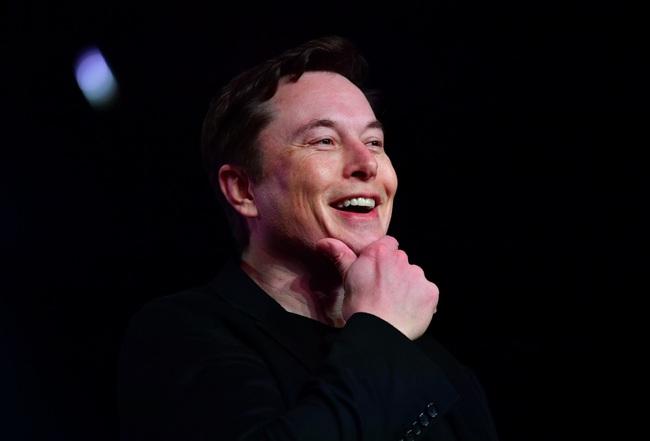 """""""Dị nhân"""" Elon Musk và những công việc kỳ lạ trước khi trở thành ông chủ Tesla và SpaceX - Ảnh 1."""