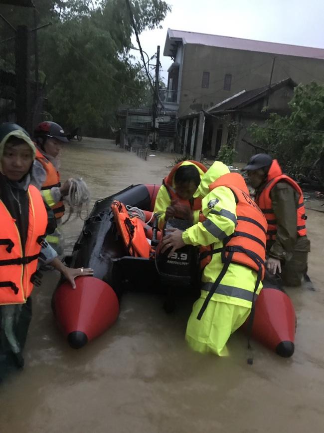 TT-Huế: 2 hồ thượng nguồn sông Hương tăng xả lũ, cảnh báo dân vùng thấp trũng sơ tán  - Ảnh 3.
