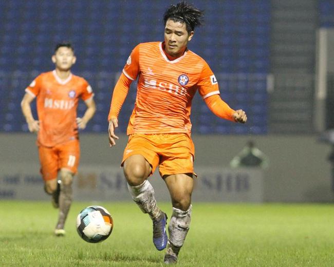 Lười phòng ngự, Hà Đức Chinh được HLV Lê Huỳnh Đức so sánh với Ronaldo - Ảnh 3.