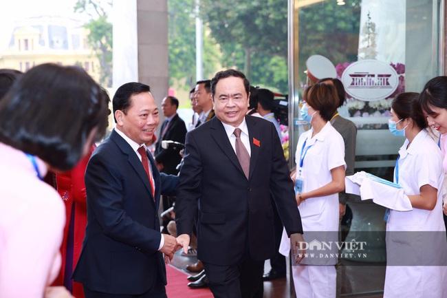 Chùm ảnh: Tổng Bí thư, Chủ tịch nước và lãnh đạo Đảng, Nhà nước dự Đại hội Đảng bộ TP Hà Nội - Ảnh 6.