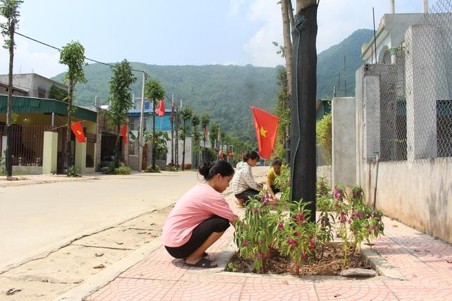 Hòa Bình: Quan tâm ổn định đời sống người dân vùng thiên tai - Ảnh 5.