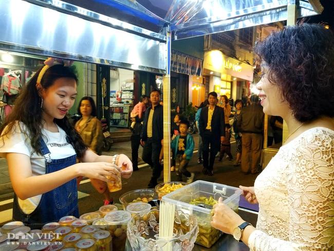 Hàng nghìn người chen chân khám phá phố đi bộ đầu tiên ở Lạng Sơn  - Ảnh 8.