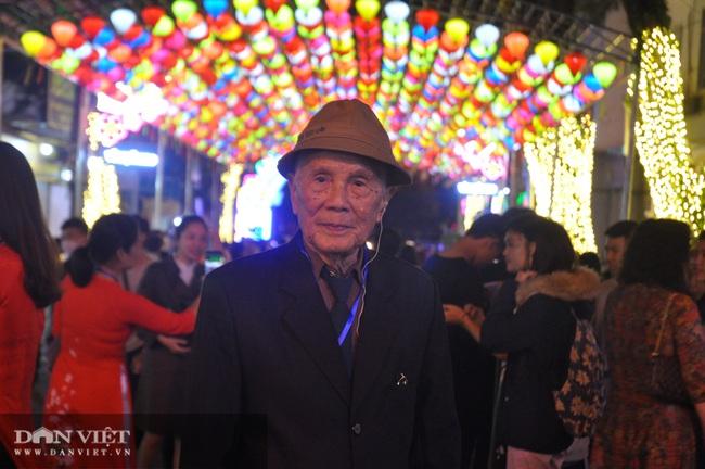Hàng nghìn người chen chân khám phá phố đi bộ đầu tiên ở Lạng Sơn  - Ảnh 3.