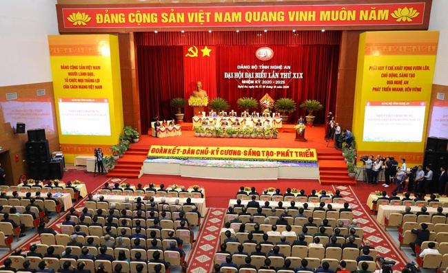 Khai mạc Đại hội Đảng bộ tỉnh Nghệ An lần thứ XIX   - Ảnh 1.