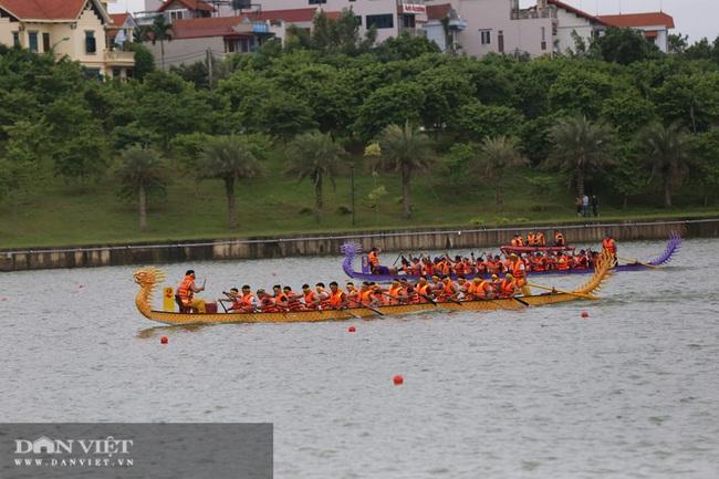 Phú Thọ: Kịch tính giải bơi Chải giữa hồ Văn Lang - Ảnh 1.