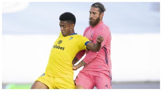 """Ramos chấn thương, Real Madrid trở thành """"bệnh viện dã chiến"""" trước El Clasico - Ảnh 1."""