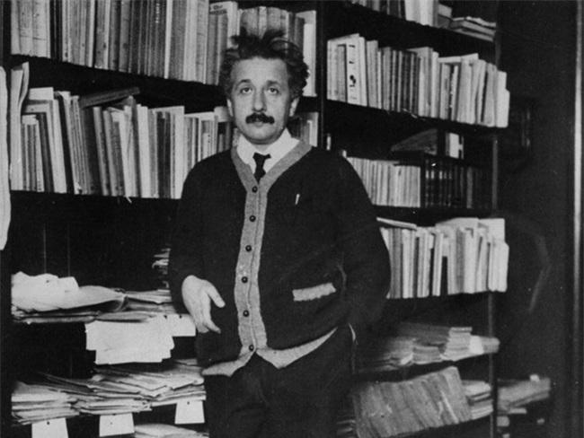 Bức thư Einstein gửi con gái: Câu chuyện đẹp chỉ là điều hư cấu? - Ảnh 2.
