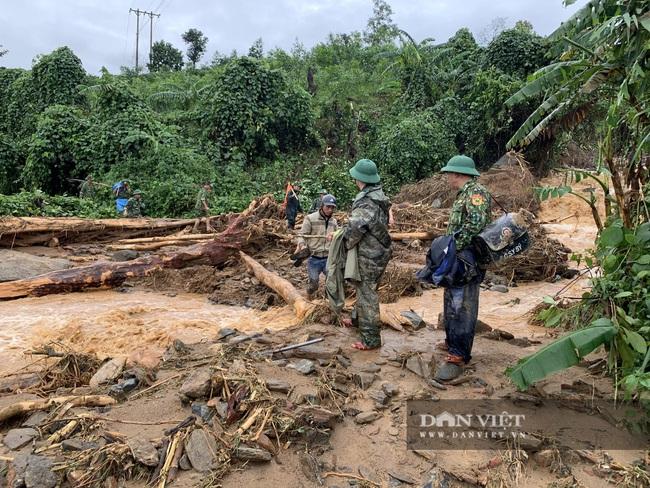 Hiện trường vụ sạt lở ở Quảng Trị, vùi lấp nhiều cán bộ chiến sĩ - Ảnh 7.