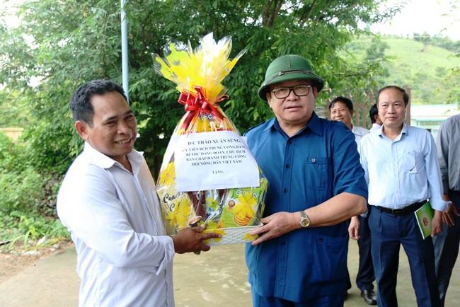 Phụ nữ Raglai nuôi bò sắm ô tô đời mới ở huyện miền núi Bác Ái (Ninh Thuận)  - Ảnh 2.