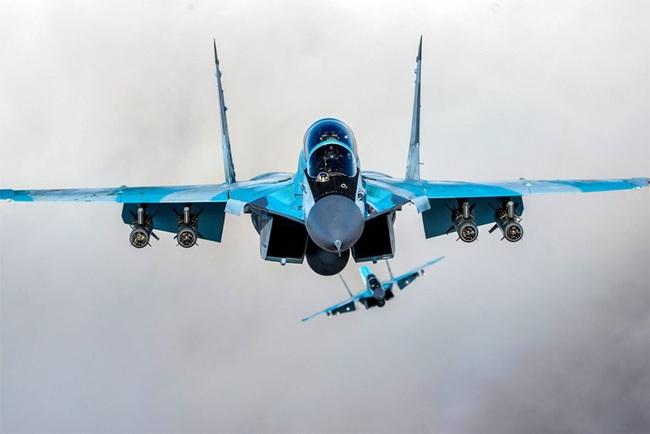 """Đây là những lý do khiến MiG-35 thừa sức """"bắn tan xác"""" F-35 - Ảnh 1."""