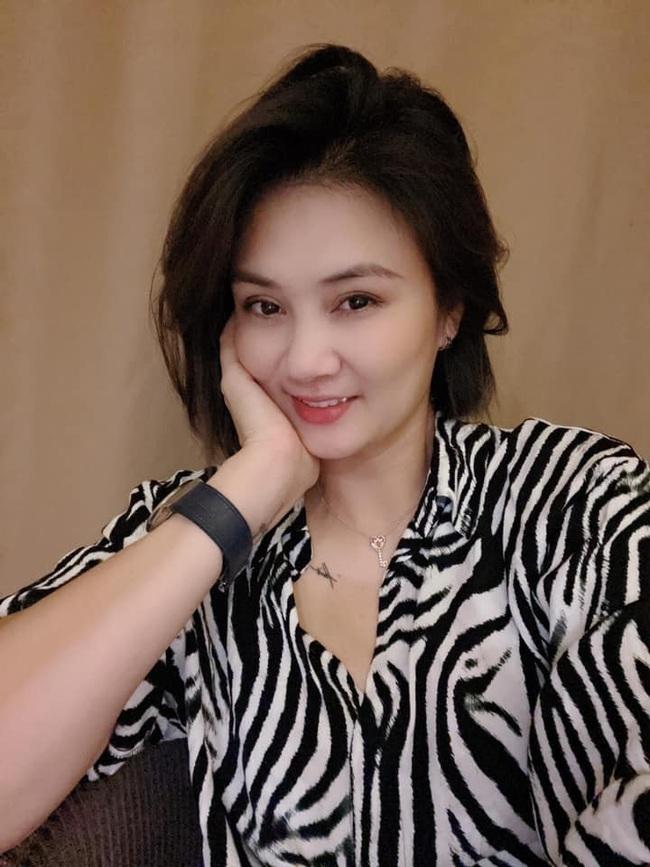Hoa khôi bóng chuyền Kim Huệ khoe nhan sắc mặn mà tuổi 38 - Ảnh 3.