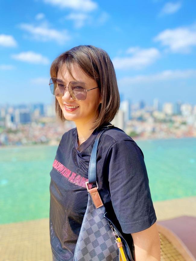 Hoa khôi bóng chuyền Kim Huệ khoe nhan sắc mặn mà tuổi 38 - Ảnh 8.