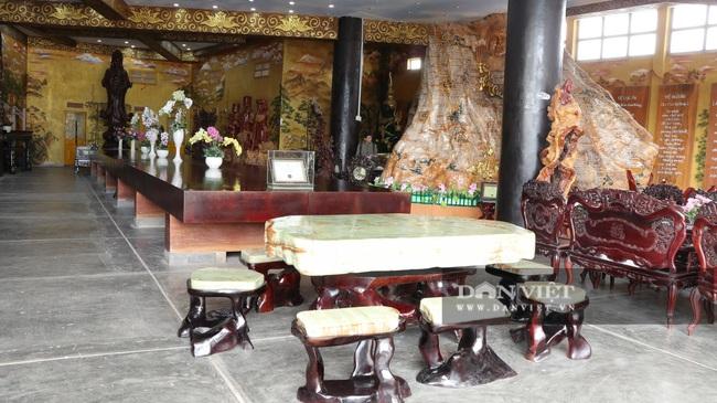 """Dư luận dậy sóng trước những """"món đồ gỗ khủng"""" trong chùa Linh Phước? - Ảnh 6."""