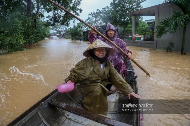 Trận lũ lớn nhất kể từ năm 1979 ở nơi ngập sâu nhất Quảng Bình - Ảnh 3.