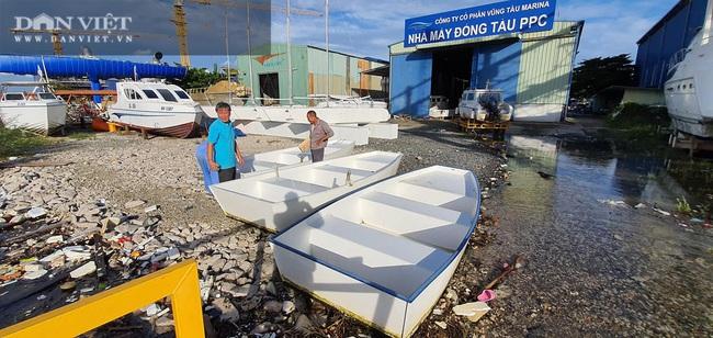Một doanh nghiệp ở tỉnh Bà Rịa – Vũng Tàu cứu trợ đồng bào miền Trung bị lũ lụt bằng… xuồng PPC - Ảnh 4.
