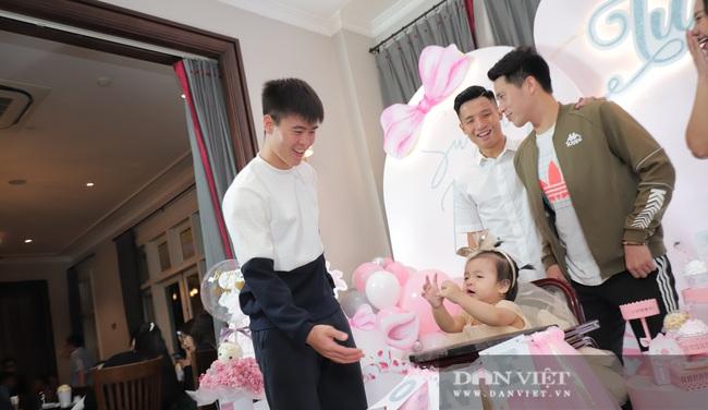 Đình Trọng, Duy Mạnh đến tham dự tiệc sinh nhật con gái Bùi Tiến Dũng - Ảnh 5.
