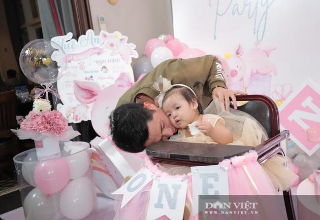 Đình Trọng, Duy Mạnh đến tham dự tiệc sinh nhật con gái Bùi Tiến Dũng - Ảnh 7.