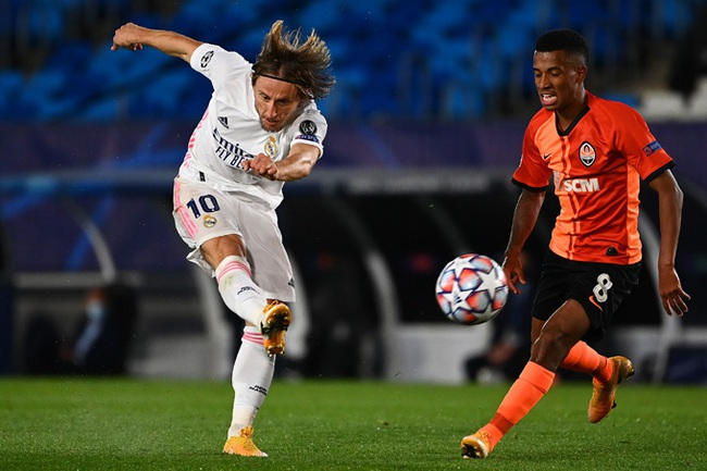 Real Madrid thua sốc Shakhtar Donetsk, HLV Zidane bào chữa thế nào? - Ảnh 1.