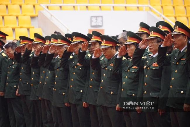 Lễ viếng, truy điệu 22 liệt sĩ Đoàn 337 hy sinh do sạt lở tại Quảng Trị  - Ảnh 4.
