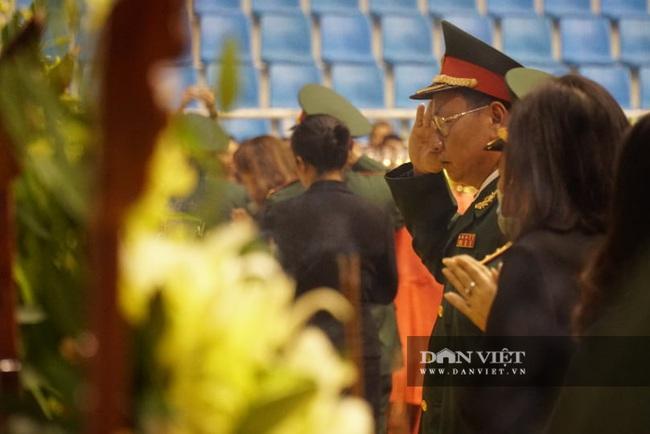 Lễ viếng, truy điệu 22 liệt sĩ Đoàn 337 hy sinh do sạt lở tại Quảng Trị  - Ảnh 9.