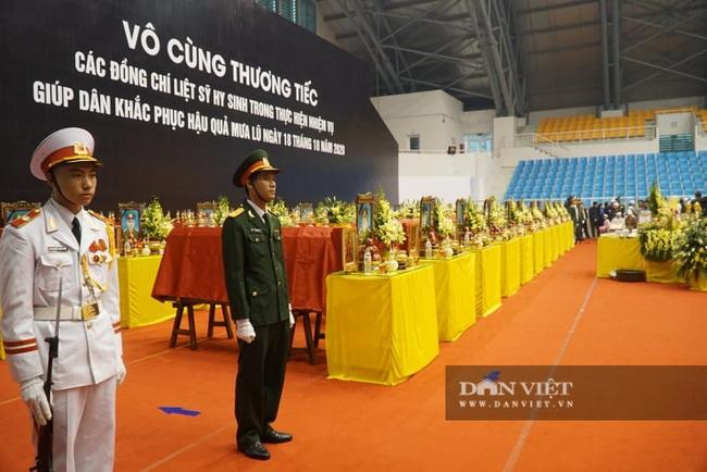 Lễ viếng, truy điệu 22 liệt sĩ Đoàn 337 hy sinh do sạt lở tại Quảng Trị  - Ảnh 2.