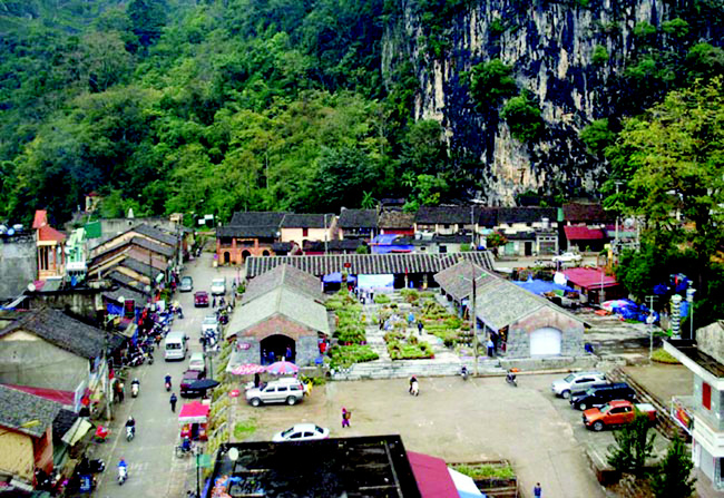 Bước chuyển mình trong xây dựng nông thôn mới ở Đồng Văn - Ảnh 1.