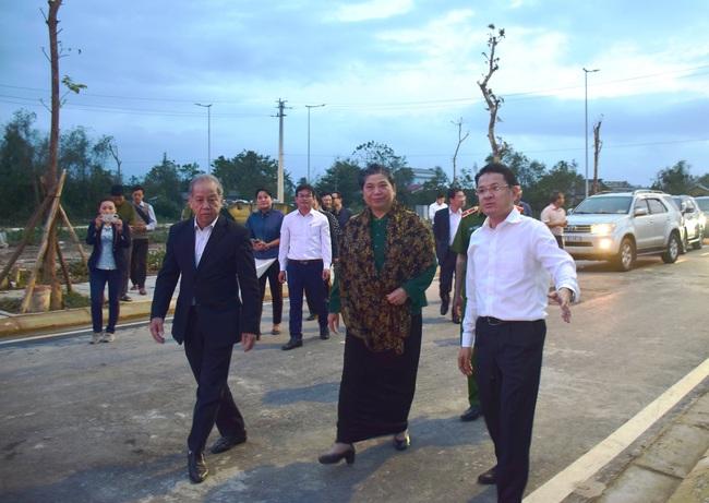 Phó Chủ tịch Thường trực Quốc hội thăm, tặng quà người dân di dời khỏi Kinh thành Huế  - Ảnh 4.