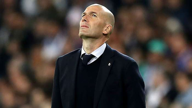 "Zidane đối mặt với án ""trảm"""