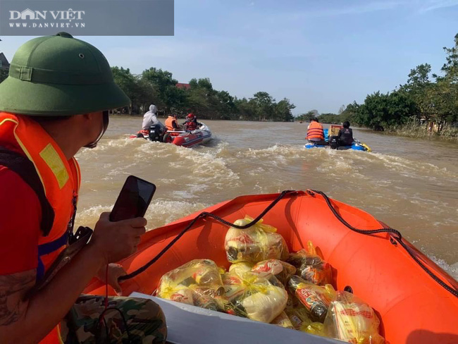 Không để miền Trung cô đơn giữa biển nước, Đồng Nai đưa hàng chục tỷ về vùng lũ - Ảnh 6.