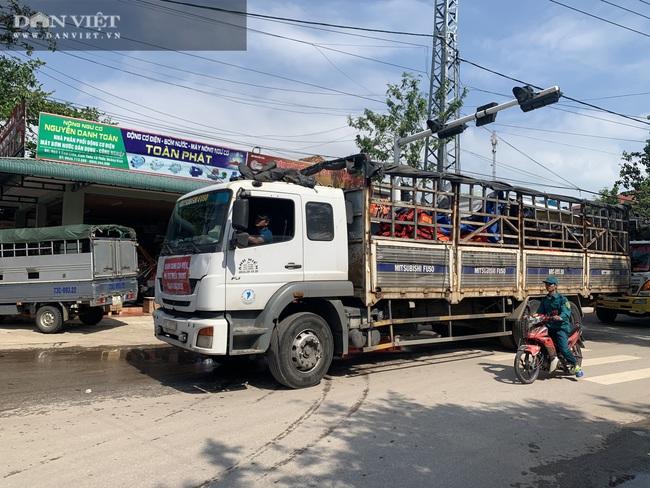 Hành trình đến với vùng lũ Quảng Bình - Ảnh 2.