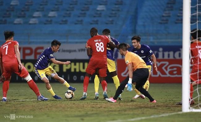 Tiến Linh tỏa sáng, B.Bình Dương khiến Hà Nội FC xa dần Cúp vô địch! - Ảnh 1.