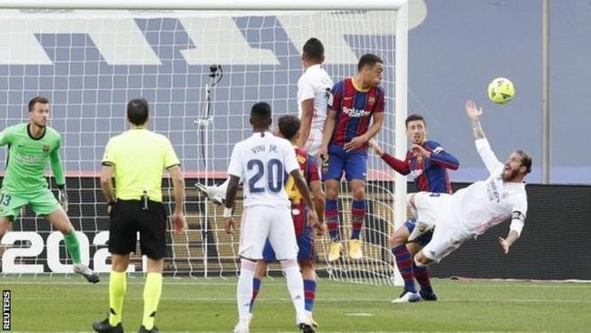 Barca thua đau Real Madrid, HLV Koeman đổ tội lên đầu trọng tài VAR - Ảnh 1.