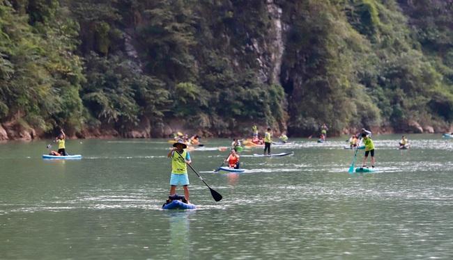 Hàng trăm người chinh phục hẻm Tu Sản Mèo Vạc tại lễ hội chèo ván Sup và Kayak  - Ảnh 10.