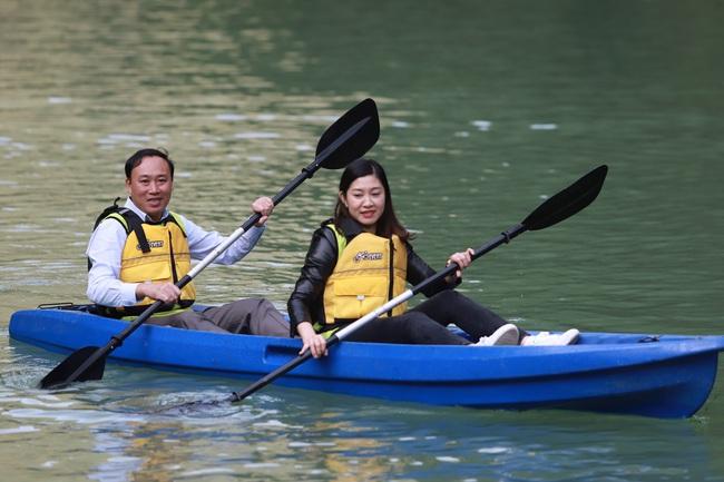 Hàng trăm người chinh phục hẻm Tu Sản Mèo Vạc tại lễ hội chèo ván Sup và Kayak  - Ảnh 8.