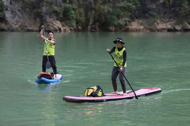 Hàng trăm người chinh phục hẻm Tu Sản Mèo Vạc tại lễ hội chèo ván Sup và Kayak  - Ảnh 2.