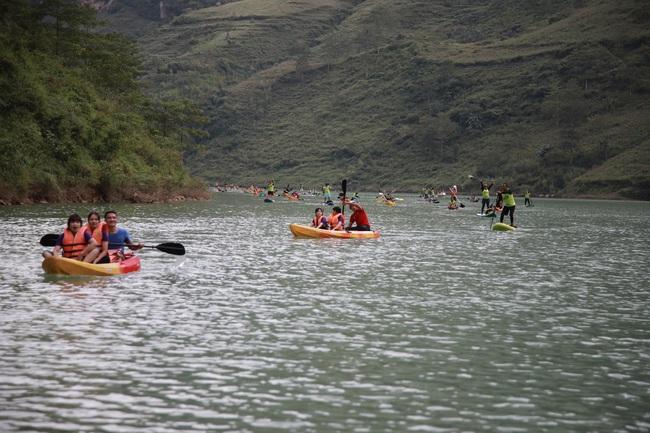 Hàng trăm người chinh phục hẻm Tu Sản Mèo Vạc tại lễ hội chèo ván Sup và Kayak  - Ảnh 6.