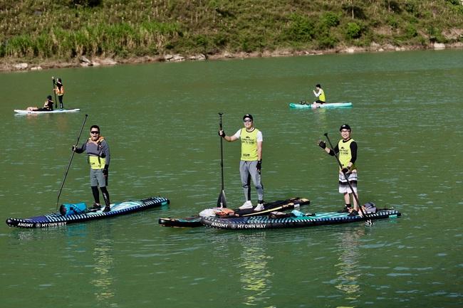 Hàng trăm người chinh phục hẻm Tu Sản Mèo Vạc tại lễ hội chèo ván Sup và Kayak  - Ảnh 12.