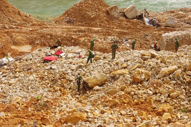 Chưa tìm thấy thêm nạn nhân mất tích tại Rào Trăng 3, lực lượng tìm kiếm phải rút trước khi bão đổ bộ  - Ảnh 3.