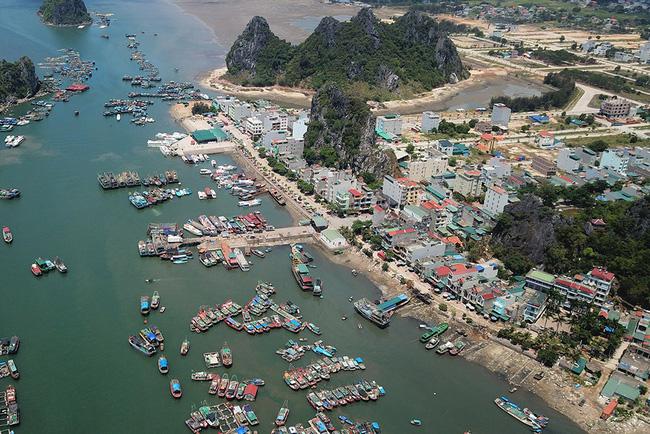 Quảng Ninh phấn đấu 3 tháng cuối năm thu hút vốn đầu tư tối thiểu 2 tỷ USD - Ảnh 1.