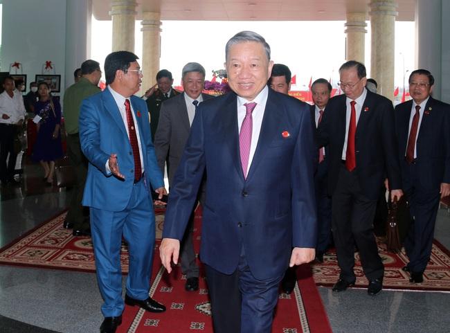 Khai mạc Đại hội Đảng bộ tỉnh Cà Mau lần thứ XVI - Ảnh 1.