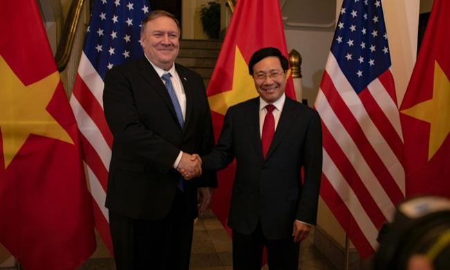 Ngoại trưởng Mỹ Mike Pompeo bất ngờ thăm Việt Nam - Ảnh 1.