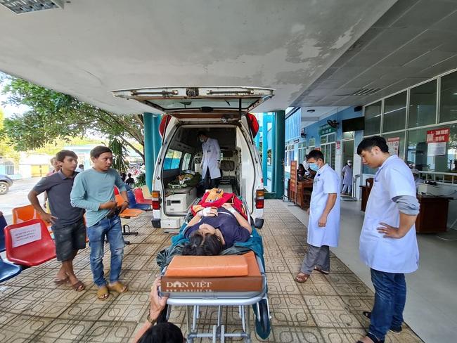 Video: Huy động tất cả nguồn lực để cứu người còn sống trong vụ sạt lở ở Nam Trà My - Ảnh 6.