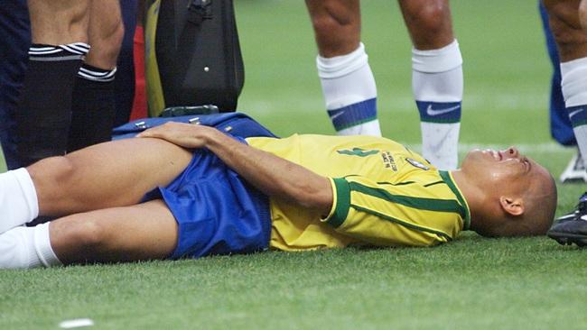 """5 siêu sao bóng đá bị chấn thương phá hủy sự nghiệp: Có Rô """"béo"""", Kaka - Ảnh 2."""