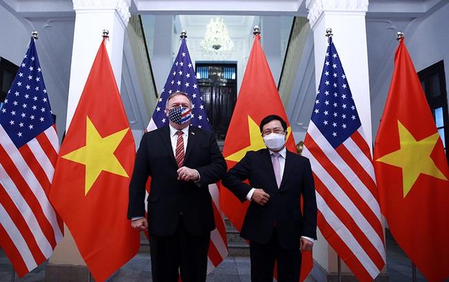 CHÙM ẢNH: Phó Thủ tướng, Bộ trưởng Bộ Ngoại giao Phạm Bình Minh đón, hội đàm Ngoại trưởng Hoa Kỳ - Ảnh 1.