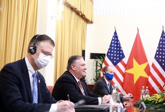 CHÙM ẢNH: Phó Thủ tướng, Bộ trưởng Bộ Ngoại giao Phạm Bình Minh đón, hội đàm Ngoại trưởng Hoa Kỳ - Ảnh 5.