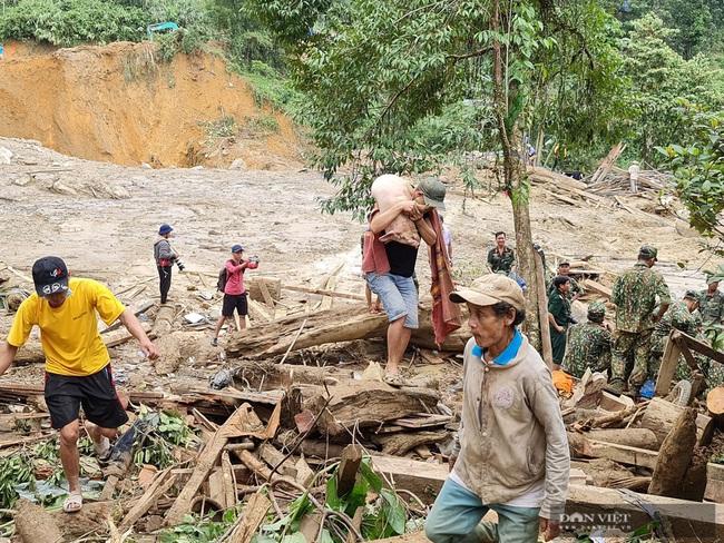 Những người sống sót bắt đầu tìm về trung tâm vụ sạt lở ở xã Trà Leng - Ảnh 3.